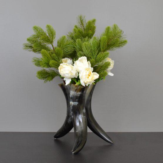 Cow horn tri vase
